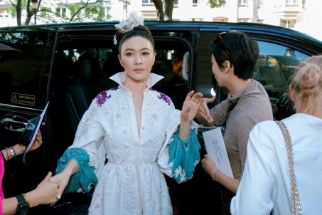 田海蓉Valentino巴黎高定秀 相信花朵的力量可以改变世界