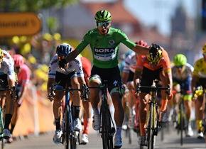 环法自行车赛第5赛段彼得·萨甘突围夺冠