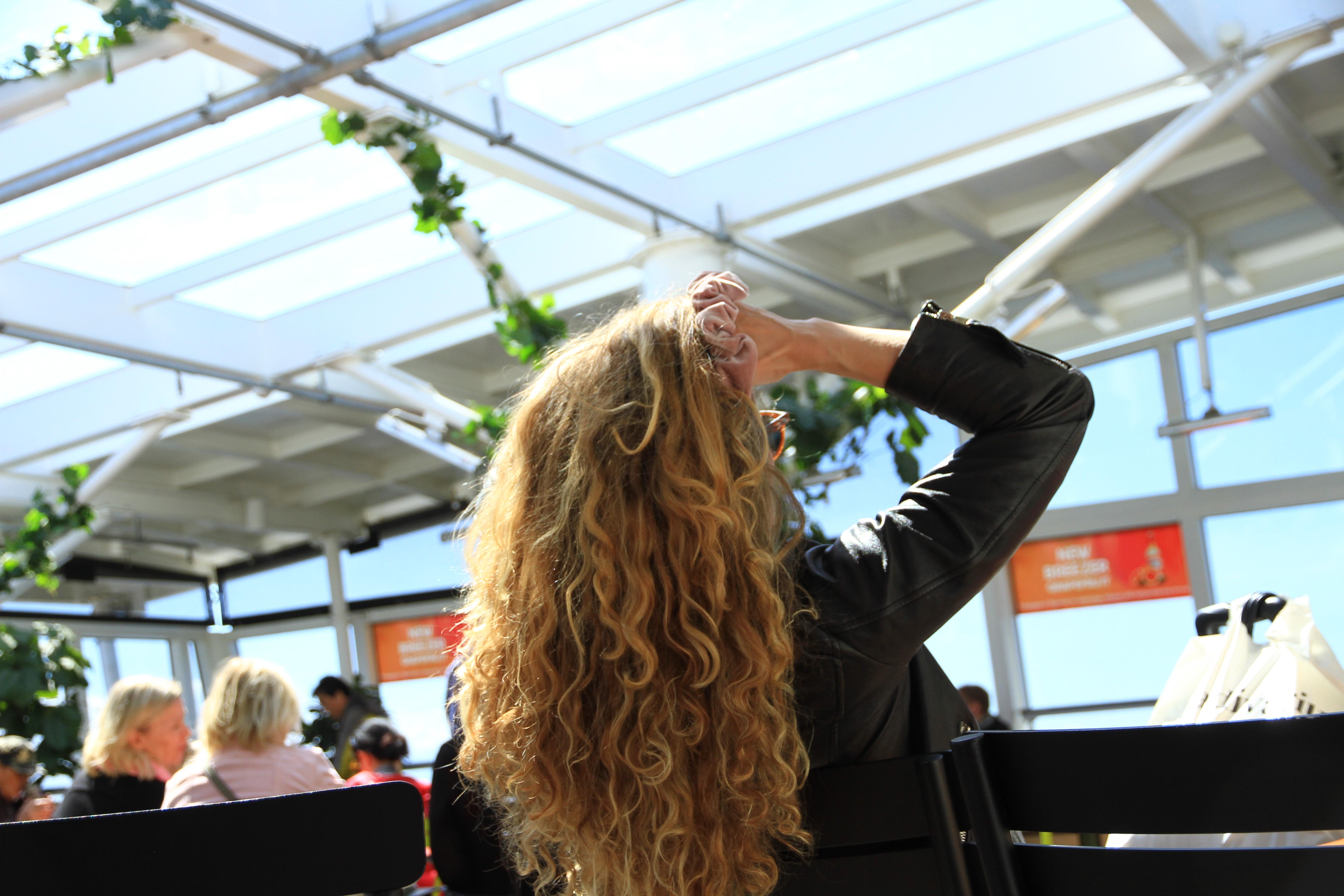 3、爱沙尼亚:邮轮上的金发美女