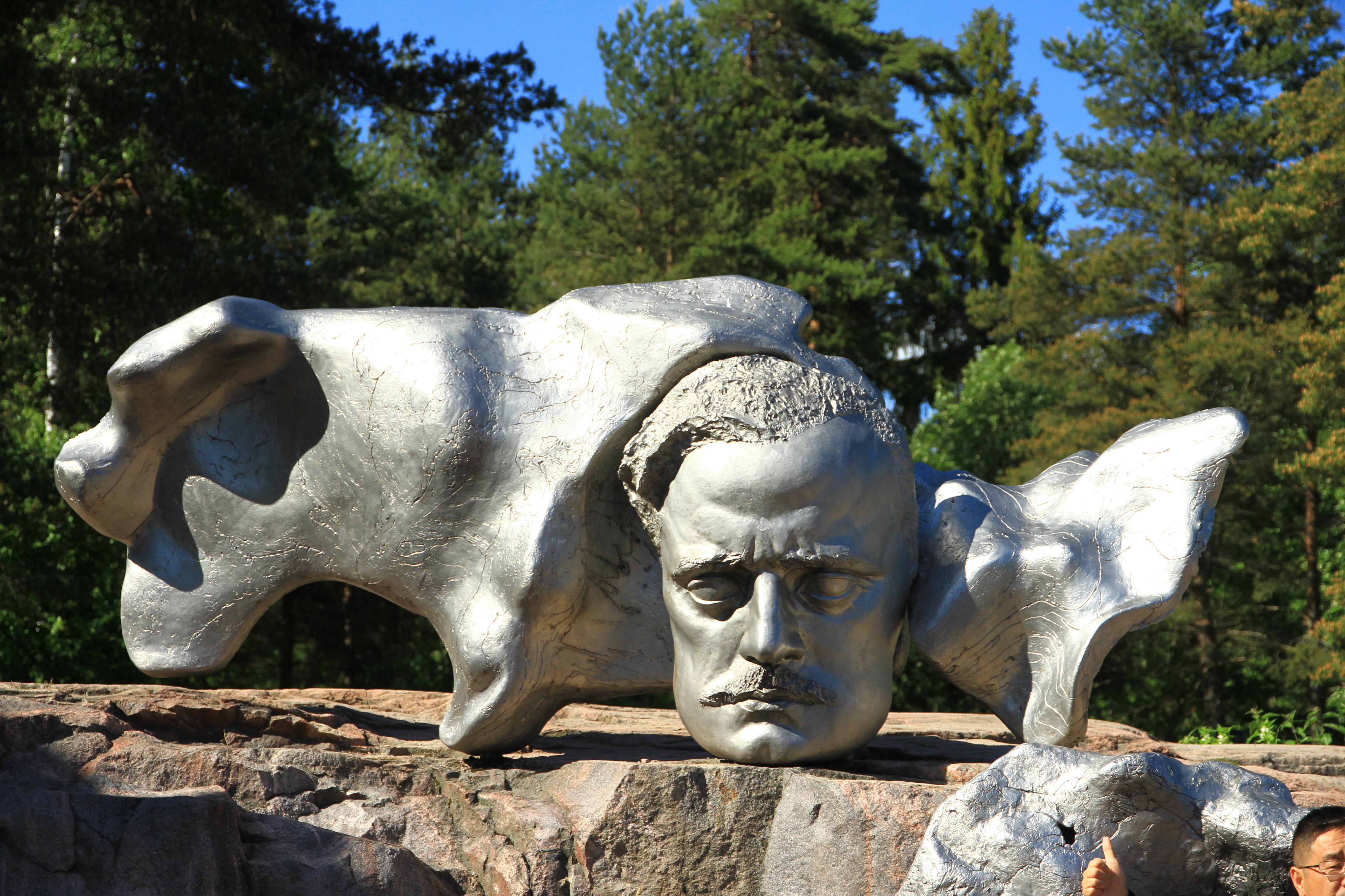77、芬兰赫尔辛基:西贝柳斯公园的西贝柳斯雕像2