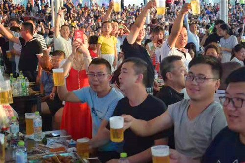 青岛动车小镇打造全新啤酒城引爆夏日狂欢