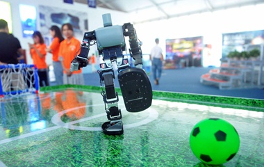 青岛啤酒节即将举行 啤酒城机器人科技十足