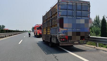 故障车被困高速路 聊城高速交警救援暖人心