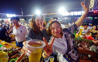青島國際啤酒節上演海邊盛夏狂歡