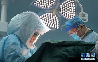 揭秘艾滋病外科医生:17年与艾滋病毒血液擦肩而过