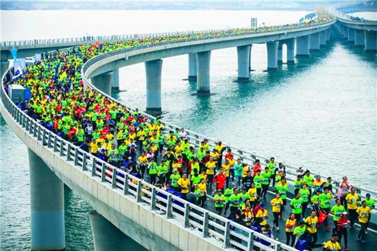 青岛海上马拉松喊你来报名 今年首次推出10公里情侣组组别