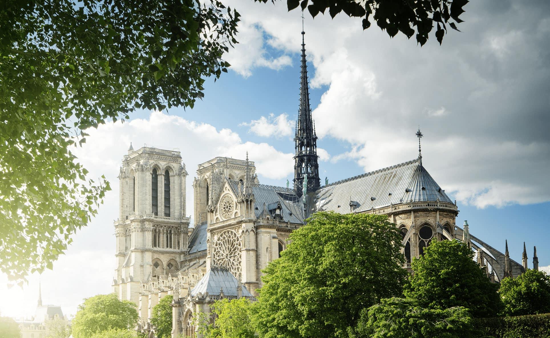 巴黎圣母院屋顶设计大赛中国建筑师夺冠!喷泉、万花筒、绿植.....更多奇妙设计长这样