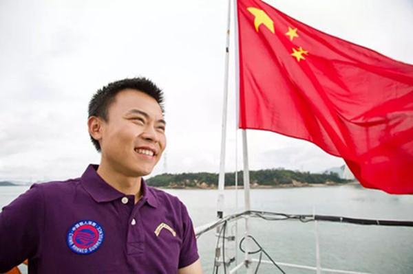"""唐嘉陵:""""载人深潜英雄""""的中国梦"""