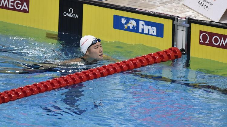 小将侯雅雯200米自由泳夺冠 叶诗文获第四