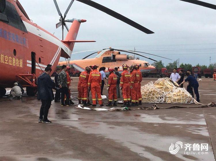 3分钟丨寿光张僧河堵口记者手记:直升机降落那一刻,村民沸腾