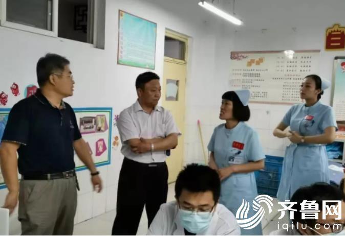 卫健局副局长李海峰询问工作情况