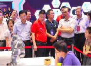 蔡振华莅临围棋大会 体验人工智能并观摩比赛