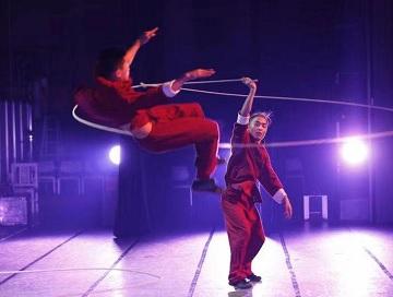 济南杂技闪耀日本 现场观众被精彩的表演折服