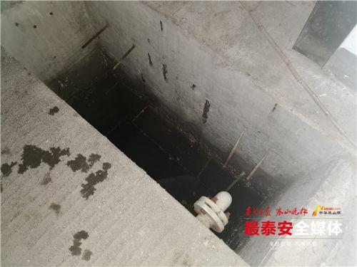 泰安16岁男孩掉入电梯井受伤,该找谁来赔偿?