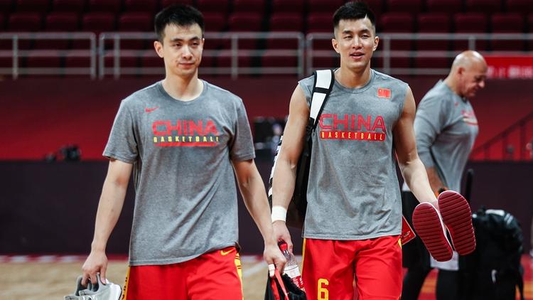 备战波兰!中国男篮氛围轻松准备就绪