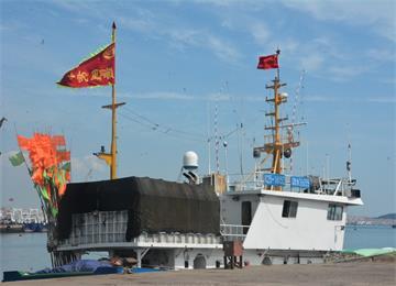 开海了!石岛渔港数百渔船驶离码头