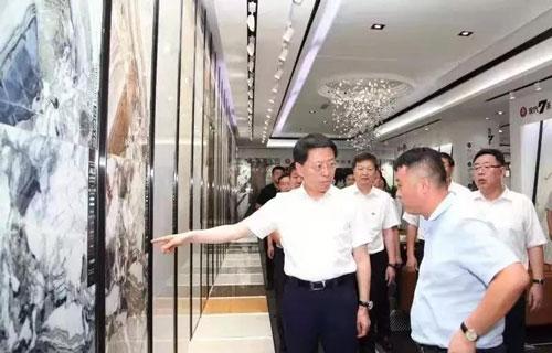 创意、市场、产业链……市委书记江敦涛为淄博建陶产业支招