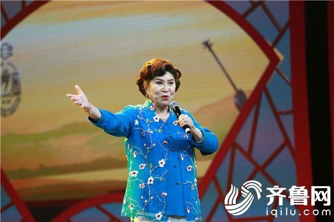 著名评书表演艺术家刘兰芳