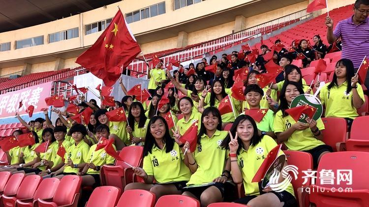 百名山东女足队员齐聚省体  为伟大祖国送上真挚祝福