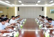 王鲁明与省派威海服务队队员座谈交流