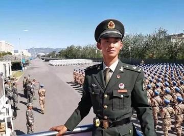 厉害!国庆阅兵将军排面是济宁这位青年士官训练出来的