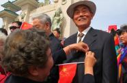 我與共和國同齡!威海70對金婚夫婦共慶新中國70華誕