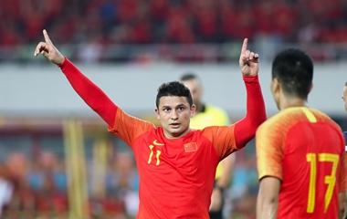 2022世预赛40强赛:杨旭大四喜 中国男足7-0关岛