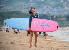 14岁练皮划艇18岁参军 青岛逐浪女孩拿下两个亚洲冠军