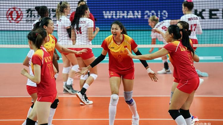 中国女排3-0横扫美国 获军运会开门红