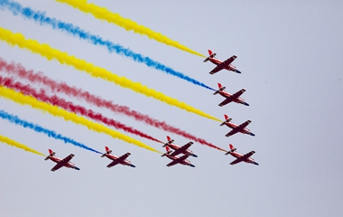 中国空军航空开放活动精彩继续 观众热情不减