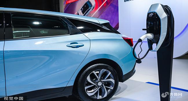 1至10月新能源汽车产量同比增11.7% 行业运行存压力