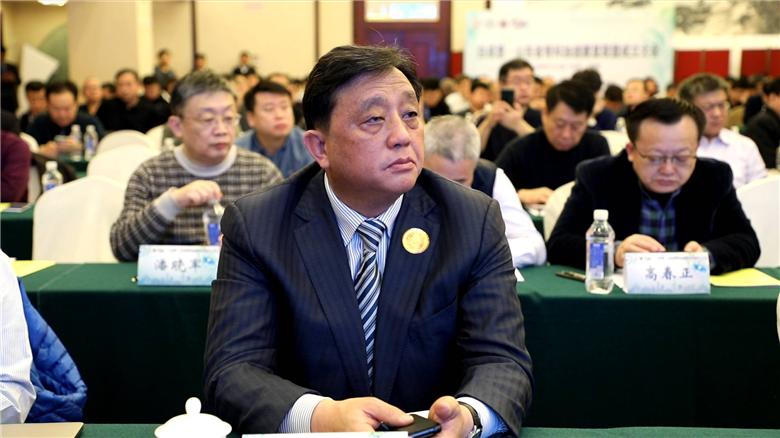 4山东省医学会贾堂宏副会长出席成立大会