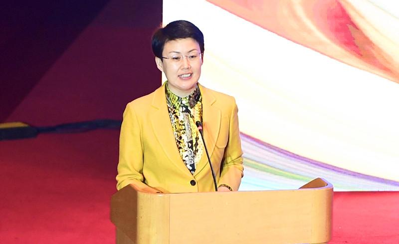 1济南市人民政府副市长王桂英致辞