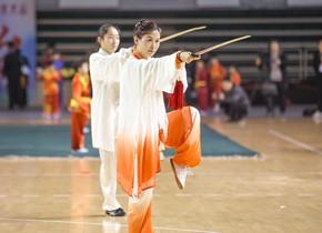 滨州举行传统武术大会 老少同堂切磋武术