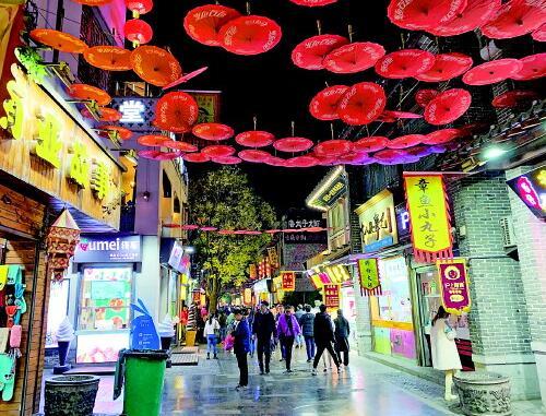 """网红街""""降温"""" 济南夜经济如何吸引""""猫冬""""人?"""