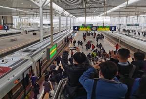 """鲁南(日兰)高铁""""试跑"""",抢先体验国内首条5G网络全覆盖高铁线!"""