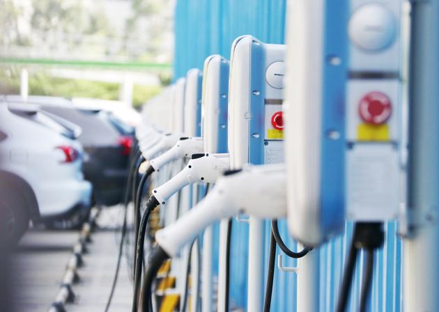 """新能源汽车销售""""虚热"""" 个人用户仅占一半"""