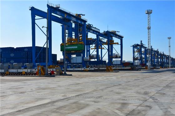 """全球首个""""氢+5G""""智慧生态港在青岛港投产"""