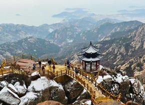 青岛迎来今冬第一场雪 茫茫崂山如仙境