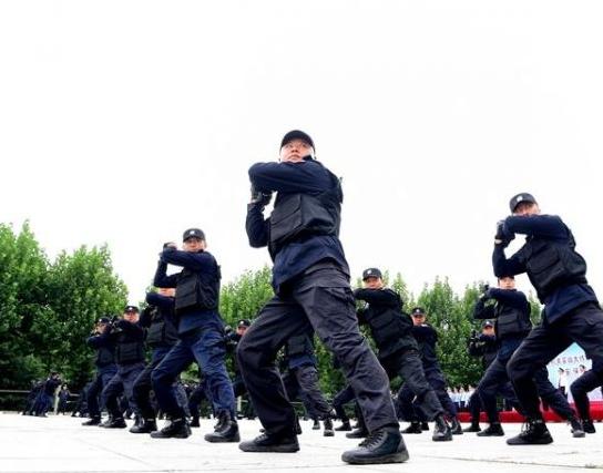 组图:聊城市公安机关实战大练兵,现场震撼!