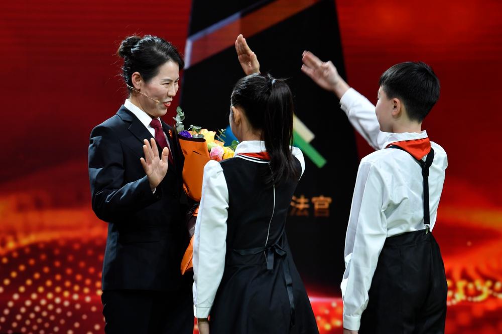 """""""齐鲁最美法官""""刘美玲:对未成年被告人""""量体""""裁判,更好地促使青少年回归社会"""