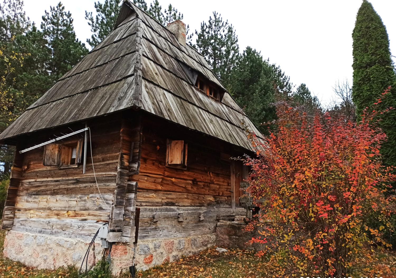 68、博物馆的木制建筑 (手机)