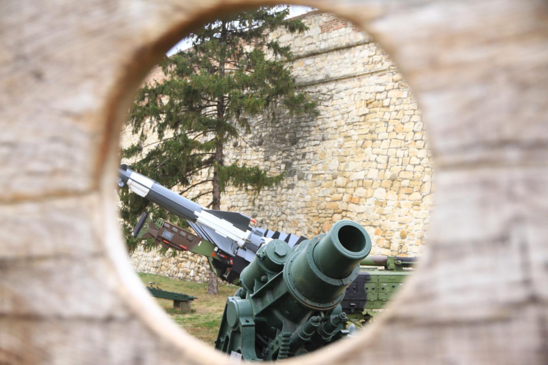 94、贝尔格莱德卡莱梅格丹古城堡。城堡中的兵器博物馆
