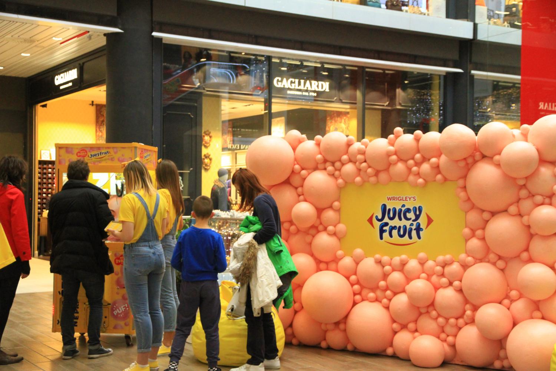99、米哈伊洛大公街商场商家的促销游戏活动