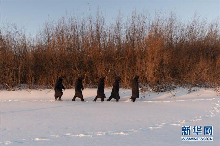 """(社会)(5)极寒边境上的""""东极卫士"""""""