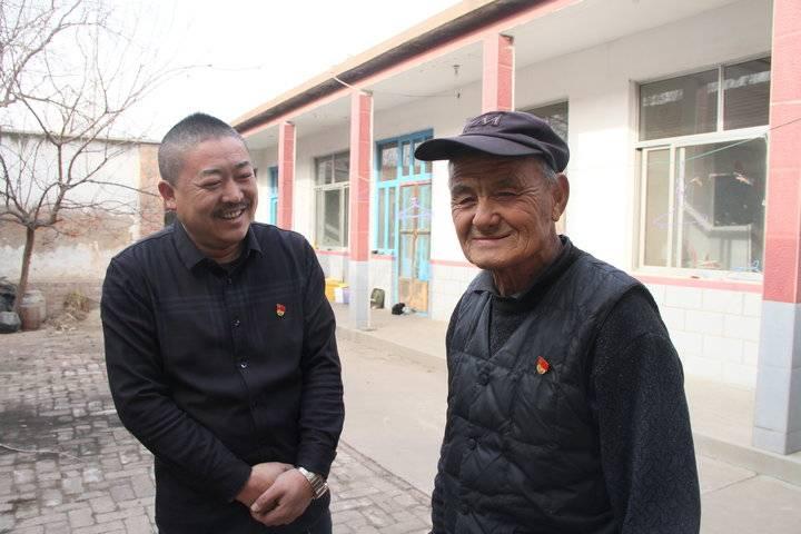 龙居镇赵家村:精准扶贫帮助困难群众喜迁砖瓦房