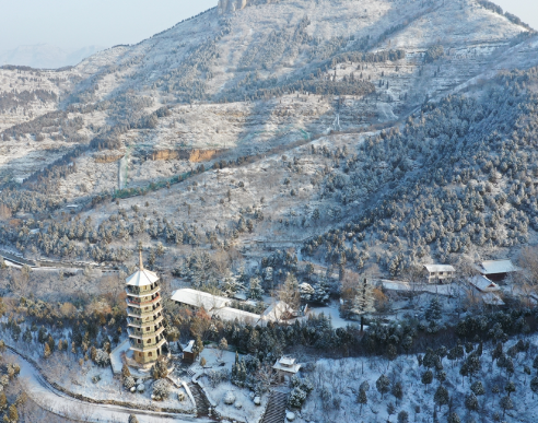 雪后的济南红叶谷银装素裹 如梦如幻