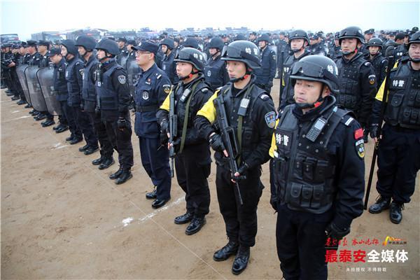 超震撼!泰安市公安局厉兵秣马亮利剑,沙场点兵扬警威