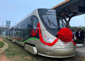 世界首条青岛造氢能源有轨电车广东载客开跑