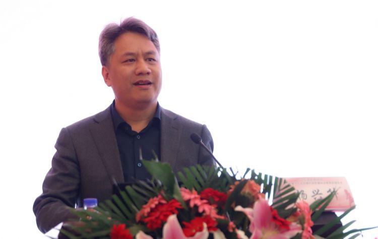 7山东省医师协会内异症培训基地主任杨兴升致辞.jpg